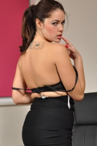 Ava Spreading Her Pussy Lips - Picture 6